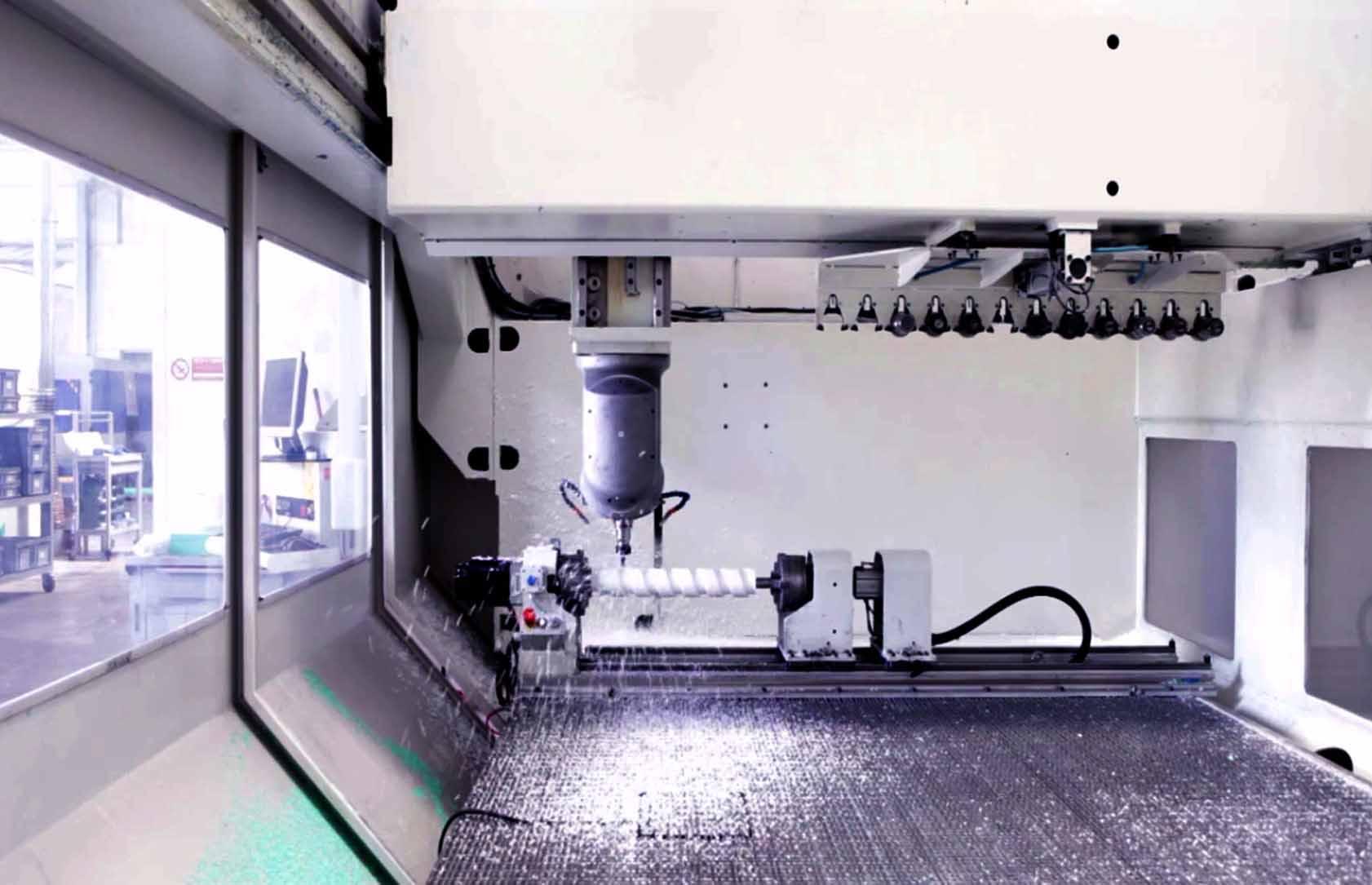 Pantografi con piano di lavoro aspirato da 5000 x 2000mm Plastics seals
